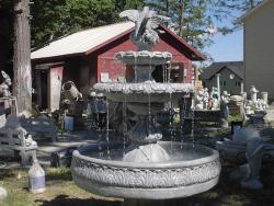 statue pics Aug. 2005 029