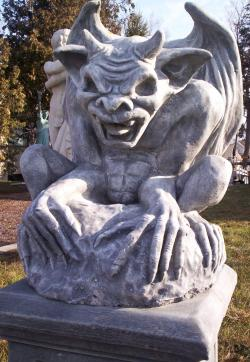 MX , Wael, Yard statues 017